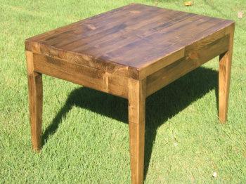 Журнальный столик из сосны